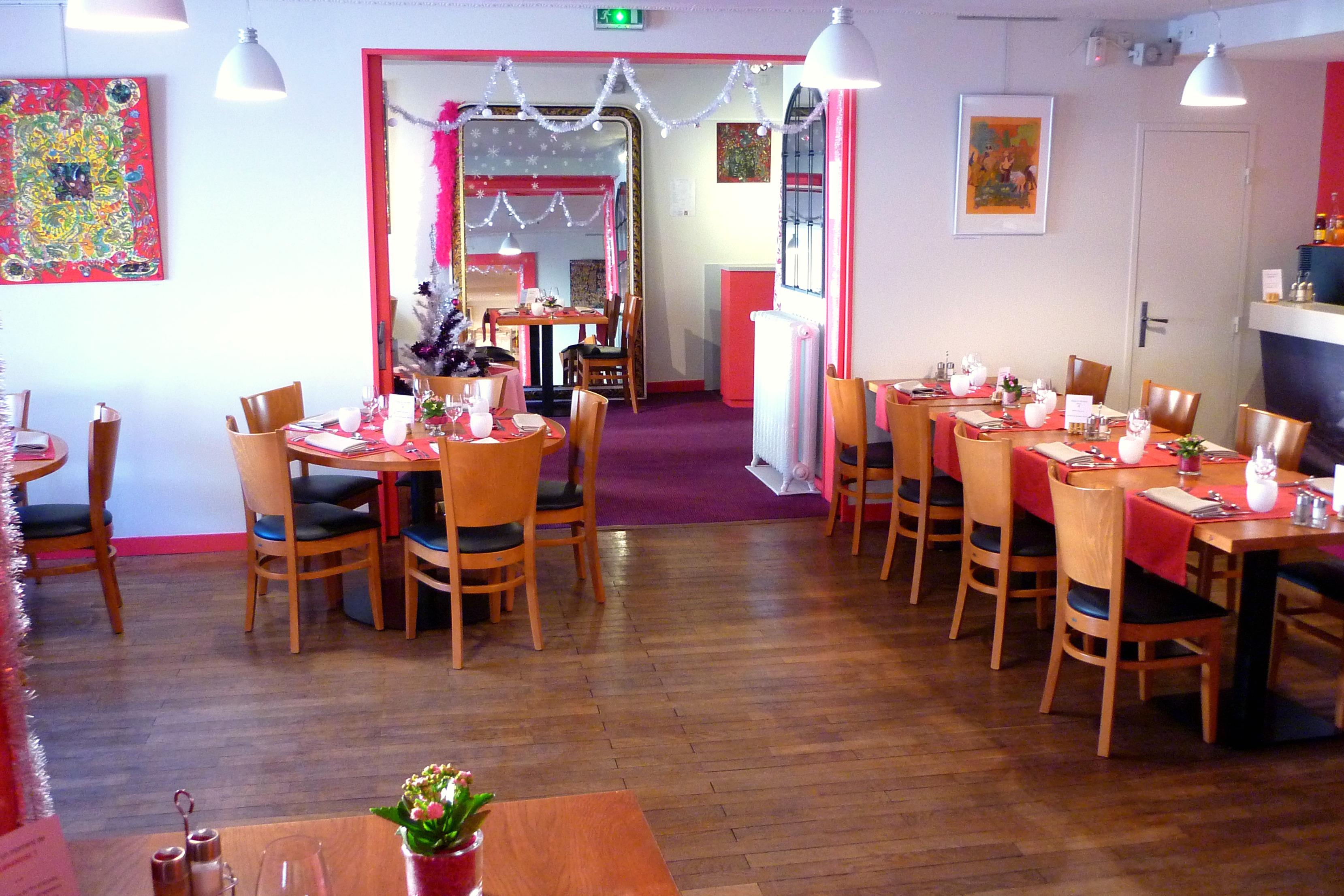 restaurant de l'hôtel restaurant des Deux Forts Salins les Bains Jura 3 cocottes Logis