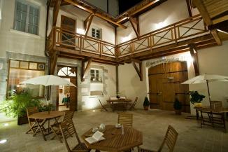 Restaurant des Deux Forts hotel Sander bons plans et promotion Le patio de nuit actualités hotel des deux forts et Charles Sander à Salins les Bains dans le Jura