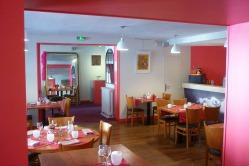Salle restaurant hotel des deux forts jura