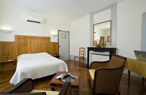 chambre à l'hôtel Charles Sander Salins les Bains dans le jura