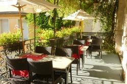 terrasse du restaurant des Deux Forts Salins les bains Jura